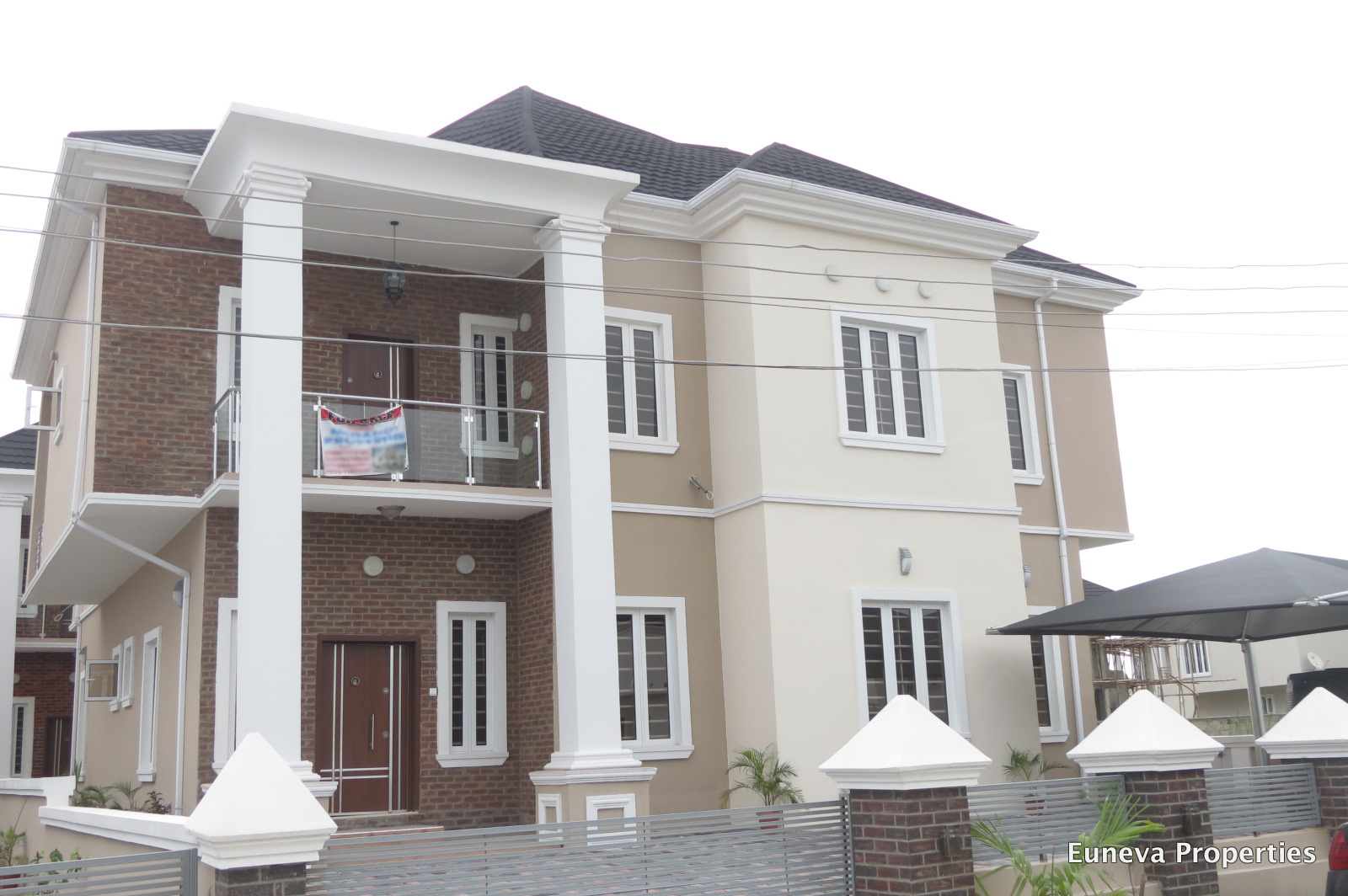 Brand New and Luxuriously Finished 5 Bedroom Detached