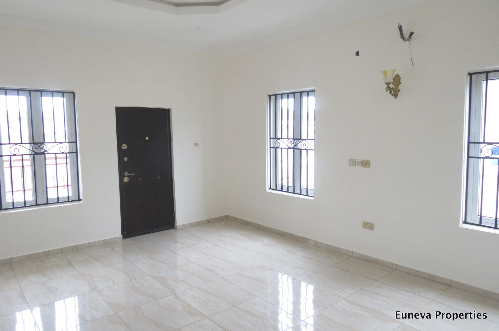 Neatly Built 5 Bedroom Fully Detached House at Lekki County