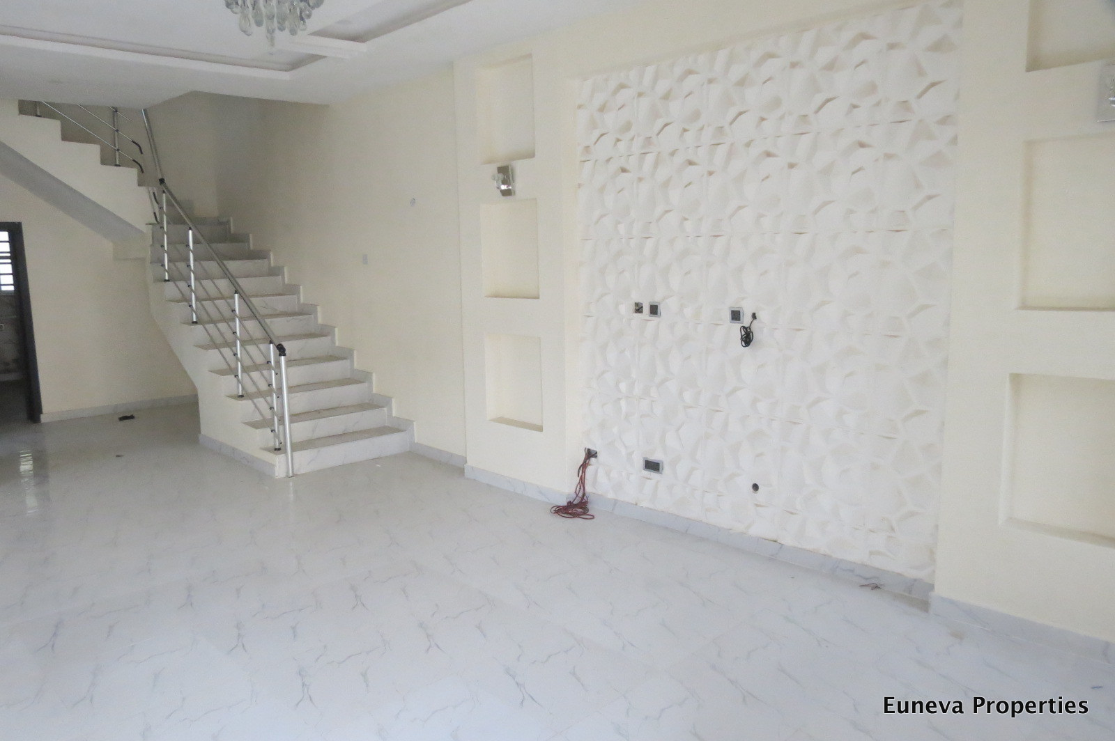 Newly Built 4 Bedroom Semi Detached House in Osapa London
