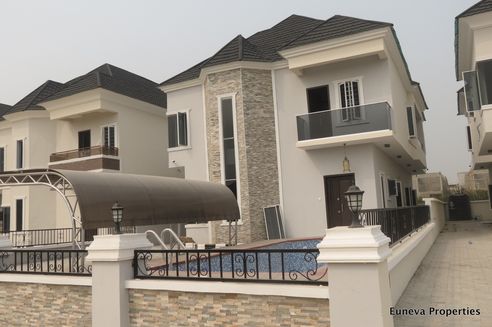 Lovely Affordable 5 Bedroom Fully Detached House with Swimming pool in Lekki County, Lekki