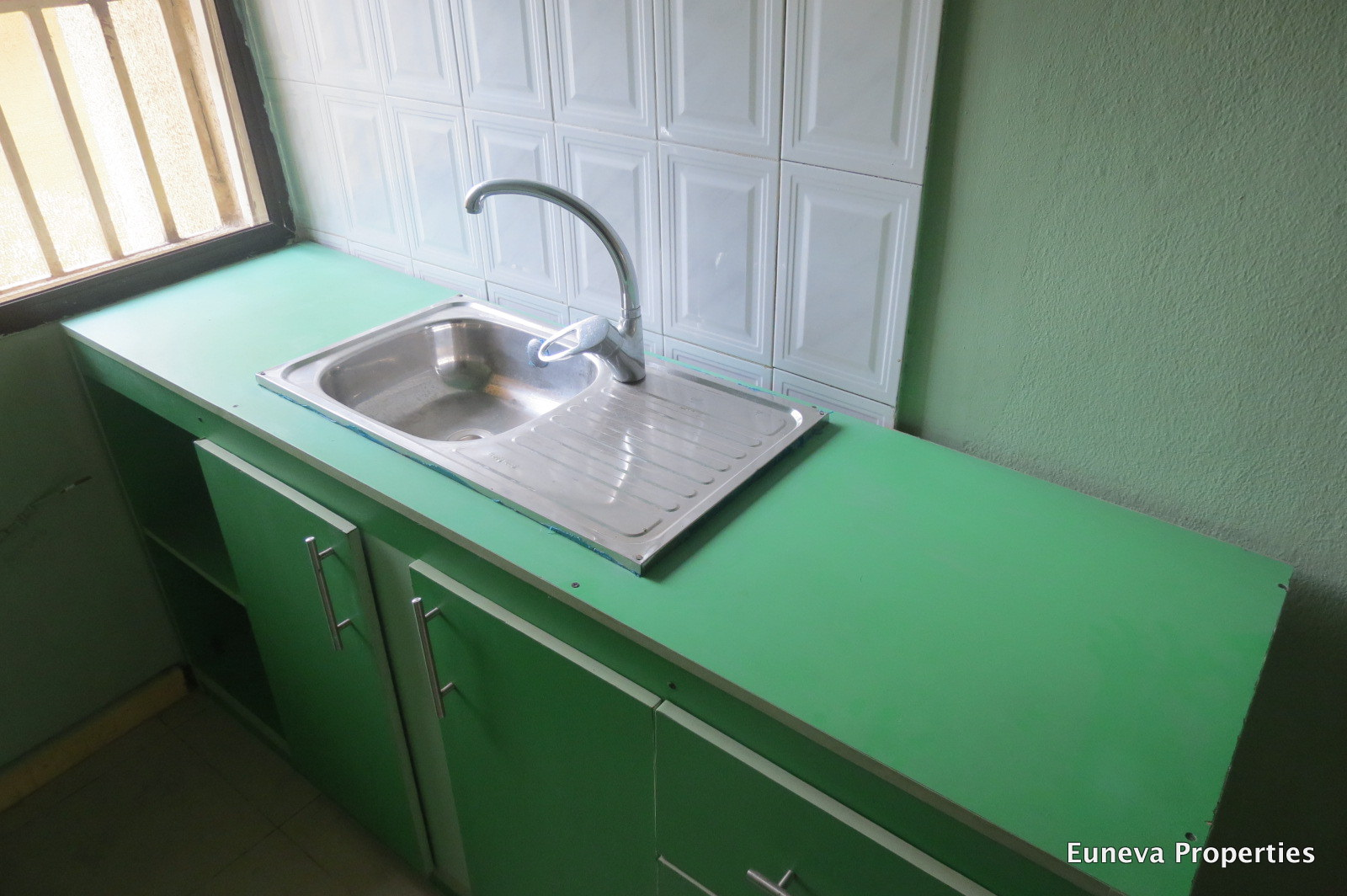 Neatly used 5 Bedroom Bungalow in VGC for Sale