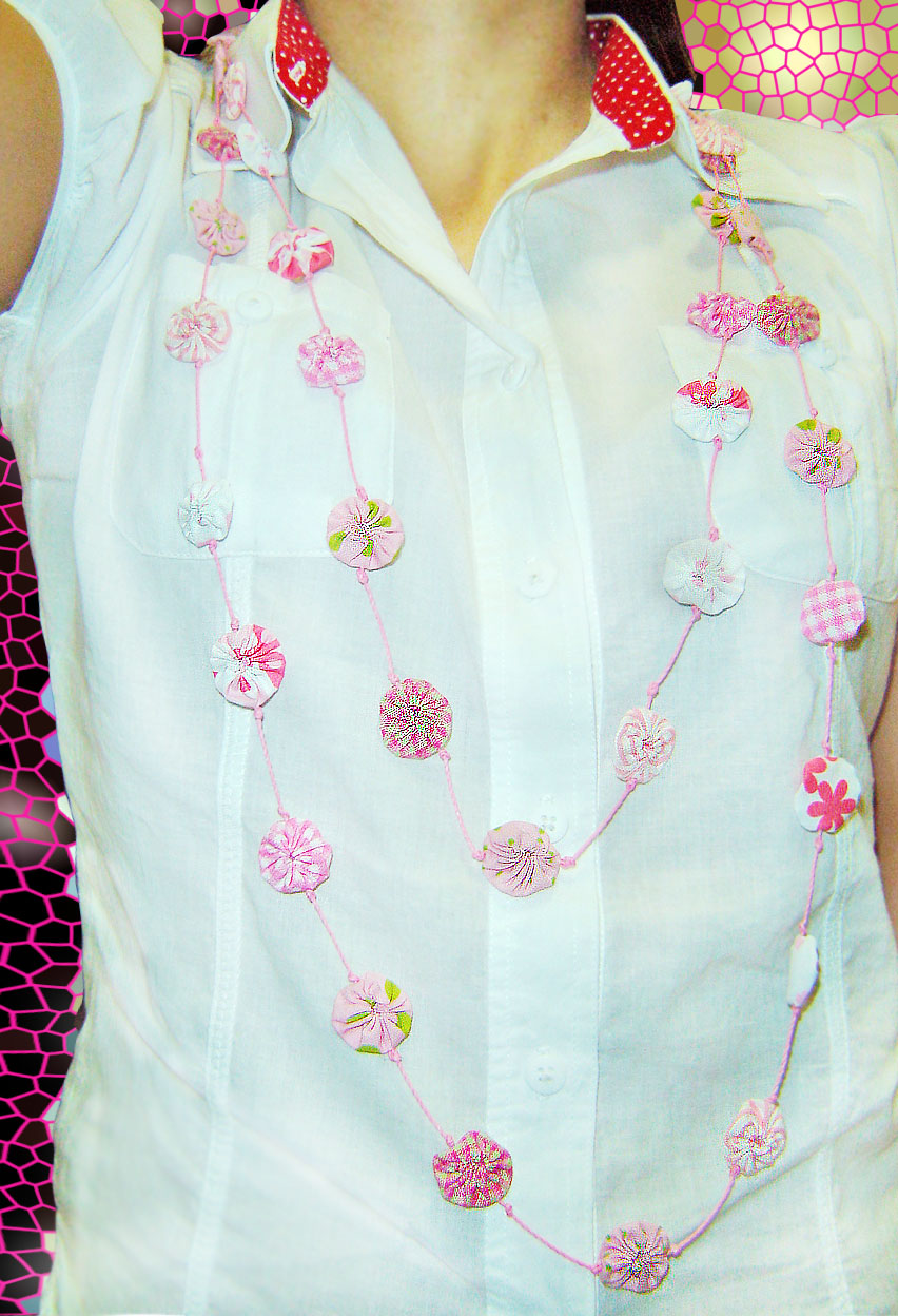 colar fuxico rosa 1