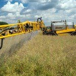 Glyphosate application to oilseed rape / Flickr / Chafer Machinery / CC BY 2.0