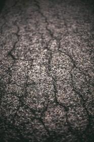 der Unterschied zwischen Asphalt und Kopfsteinpflaster ist eine rein optische Sache