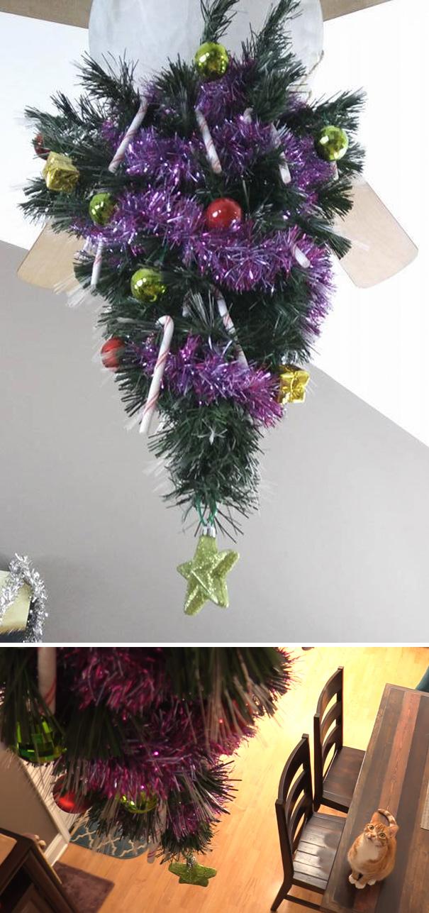 吊るされたクリスマスツリー