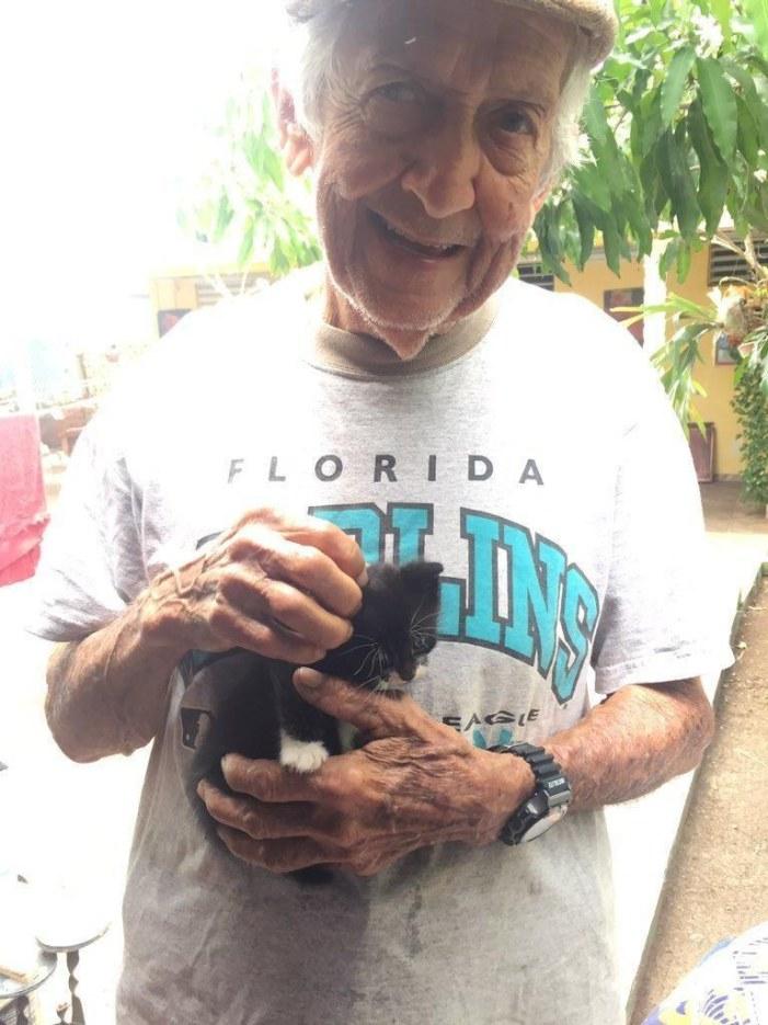 子猫を保護したおじいちゃん