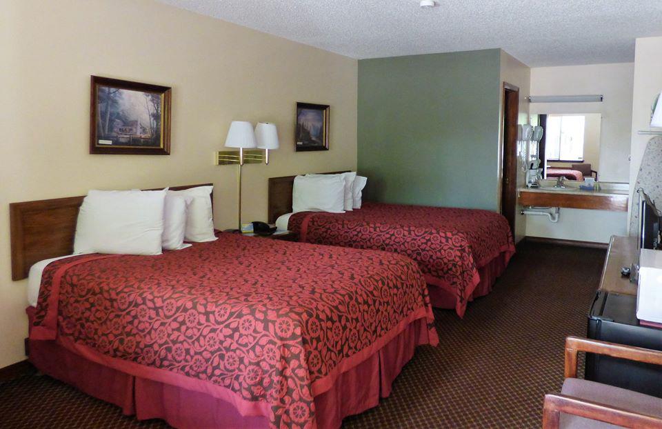 Eureka Springs Days Inn – The Best Value Under the Sun!