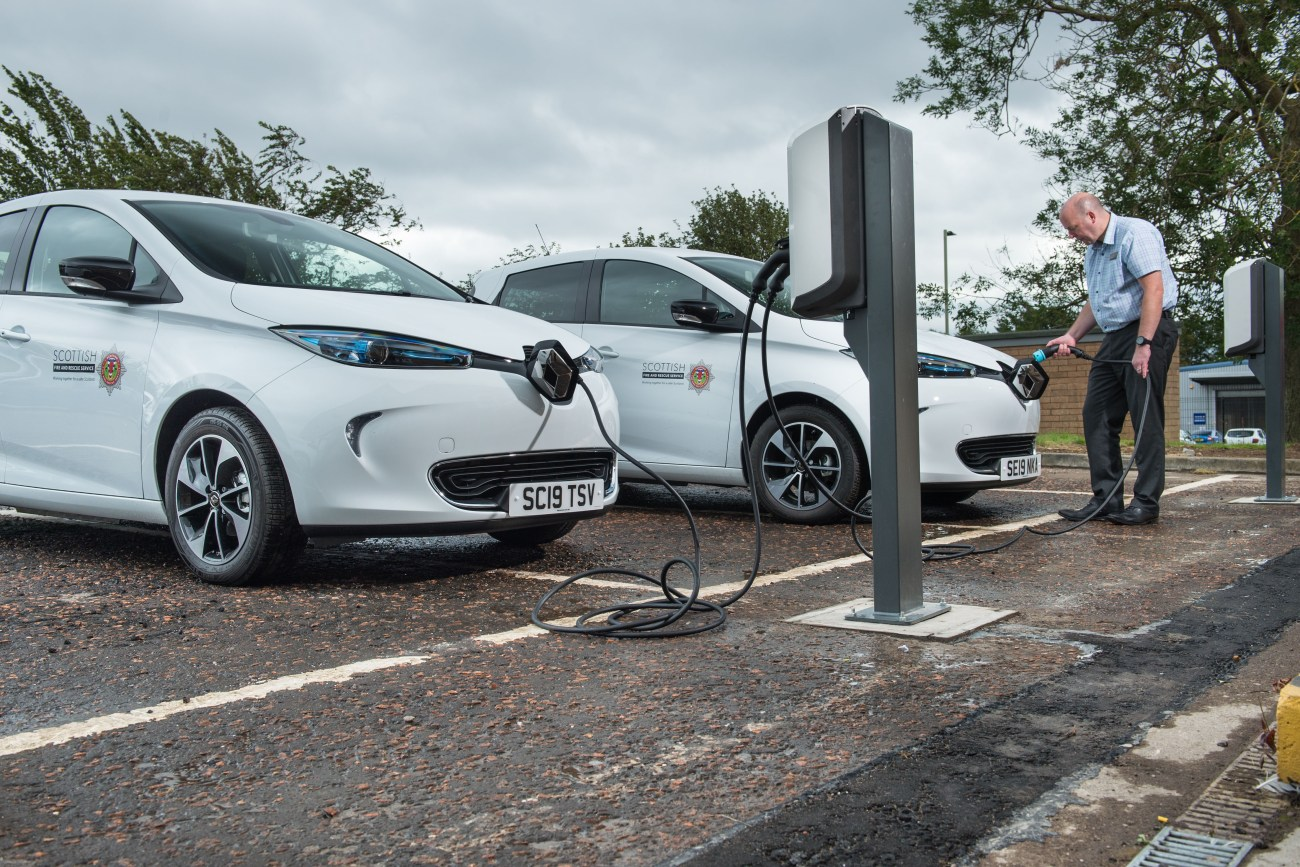 All-electric Renault ZOE comes to the aid of the Scottish Fire Rescue Service 190919 24