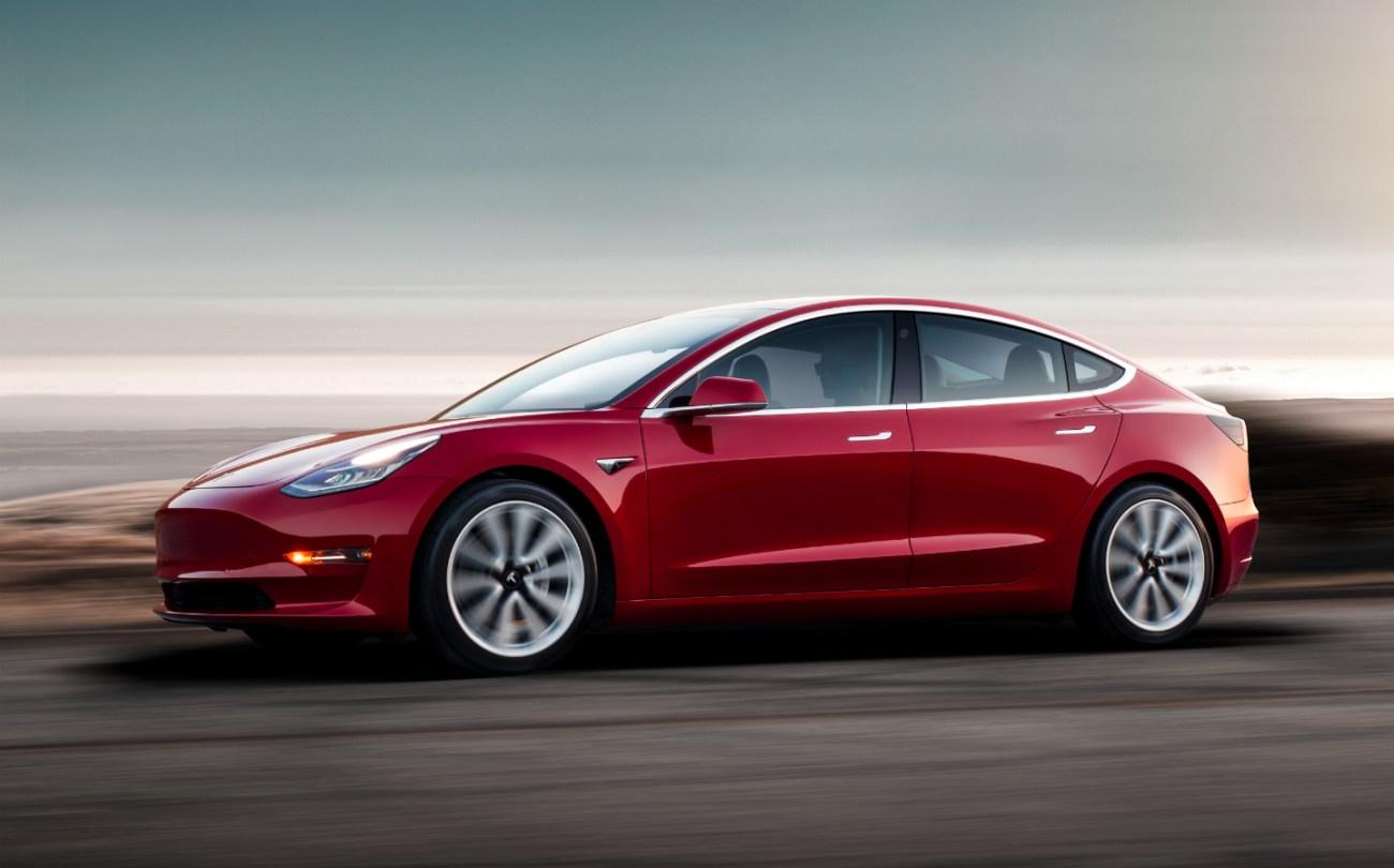 2019-Tesla-Model-3-03