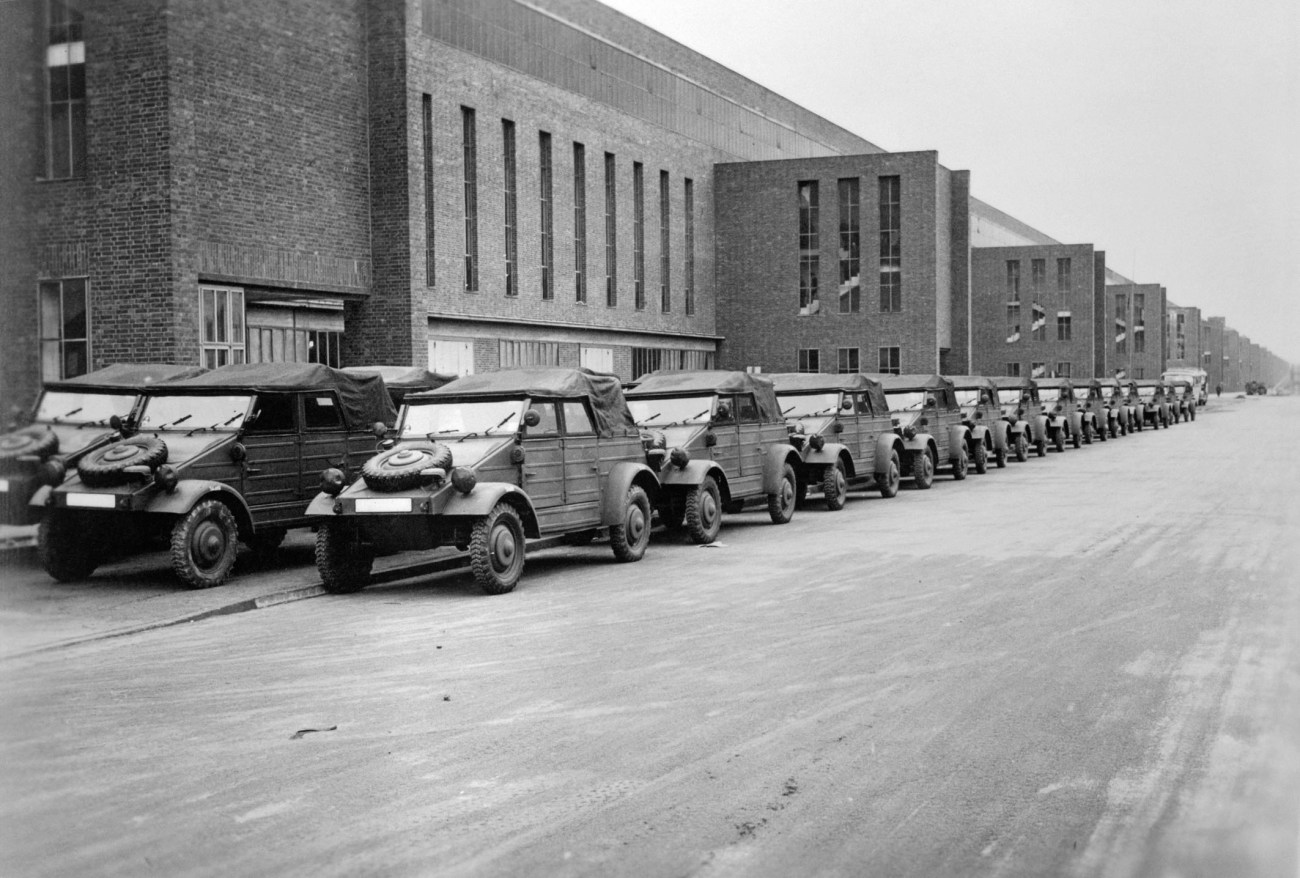75 years ago: US troops liberate Volkswagen plant and city on Mi