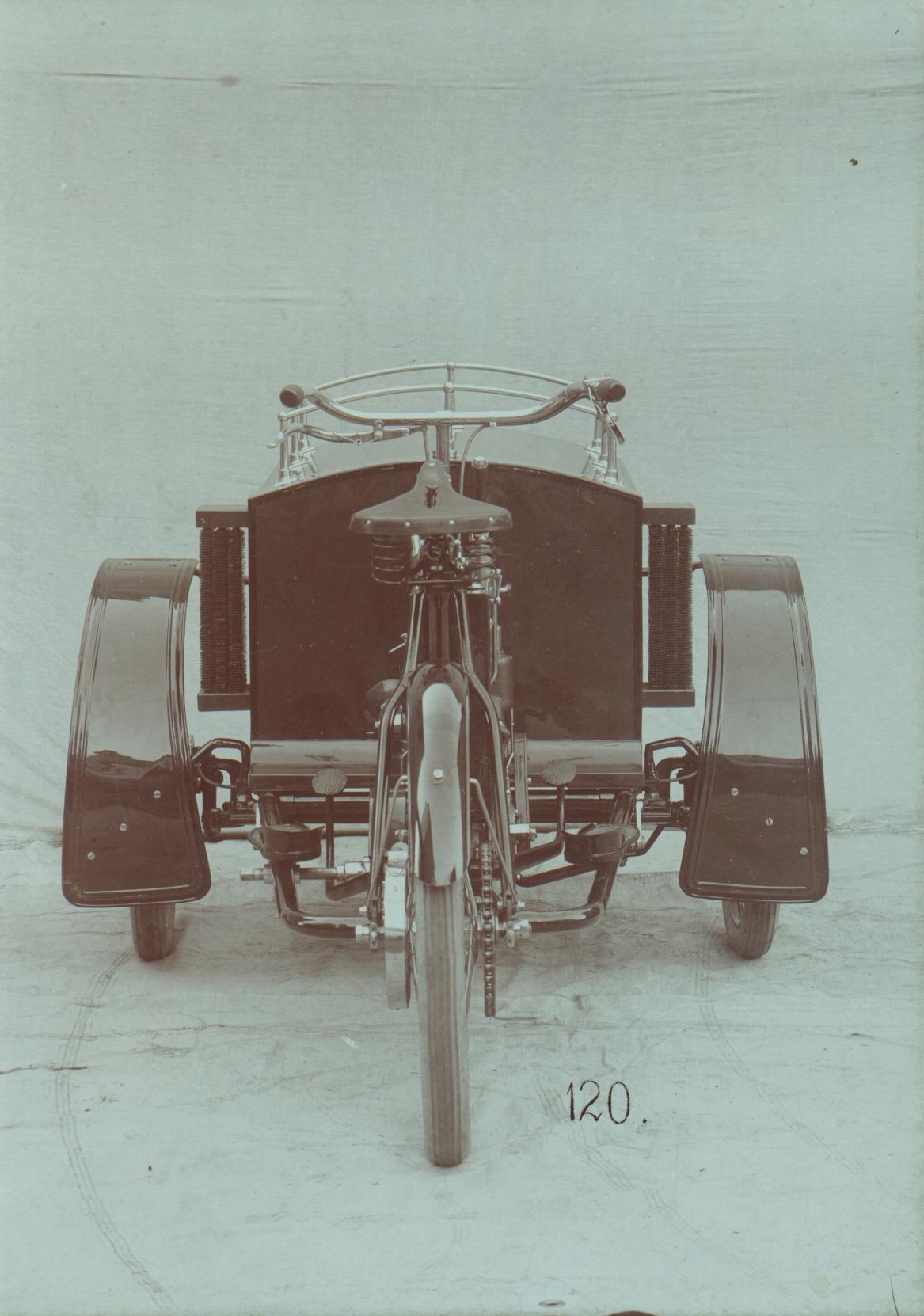 The-LW-three-wheeler-4_JPG
