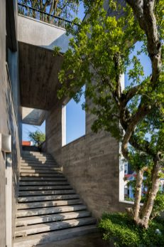 ha-long-house-vtn-architects-vo-trong-nghia_dezeen_2364_col_8-1704x2556