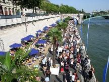 Пляжи в центре Парижа вновь начали работу