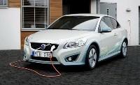 Во Франции вводят новые льготы для владельцев электромобилей