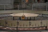 В родном городе Коперника  установлен самый большой маятник Фуко в Польше