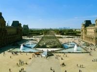 Французы подготовили для сокровищ Лувра запасной аэродром