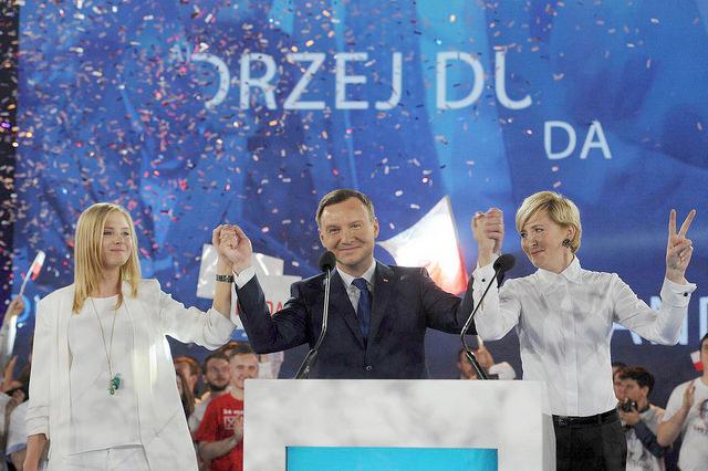 Польша выбрала нового президента – Анджея Дуду