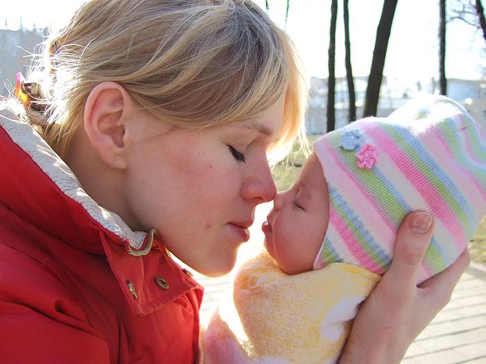 Самые молодые мамы — в Болгарии и Румынии