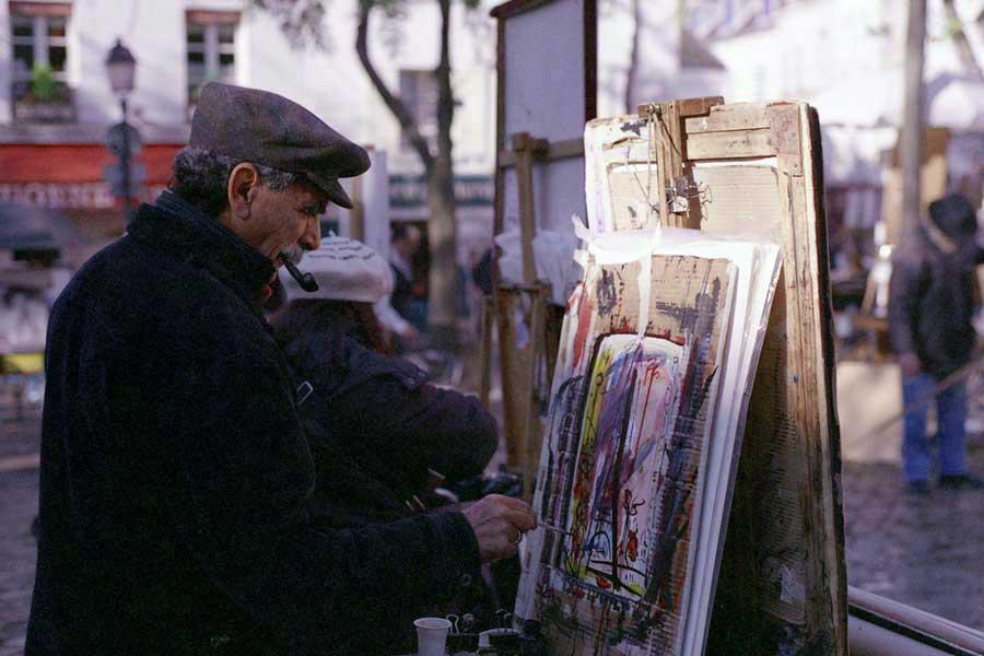 Уличные художники грозятся уйти с Монмартра, если рестораны не отдадут им место на площади Тертр