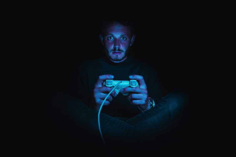 Голландцы чаще других европейцев играют в онлайн-игры, смотрят видео и продают свои вещи онлайн
