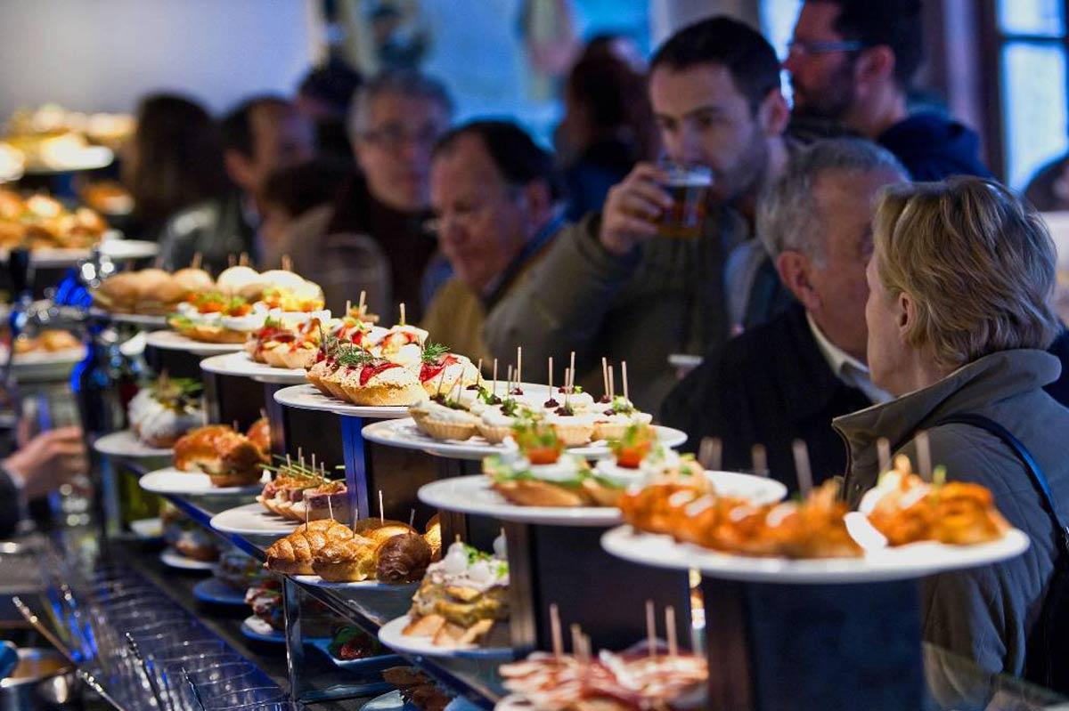 Три города из ЕС вошли в десятку лучших недооцененных мест для гастрономического туризма по версии шеф-поваров