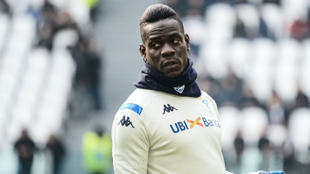 Uninsured Balotelli turned away from Brescia training ground - sources