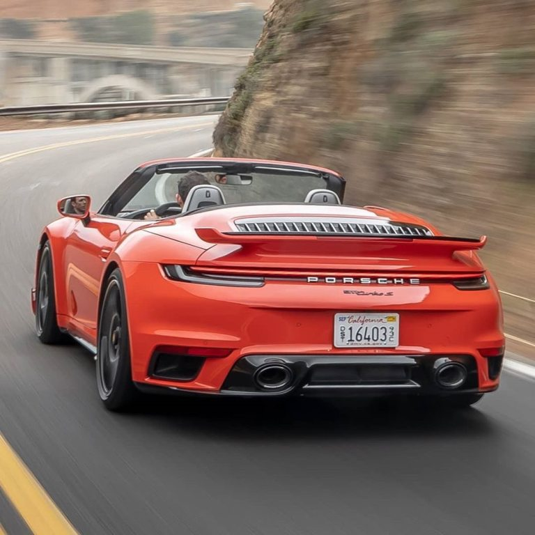 911 Turbo S in  …………………………………………………………..