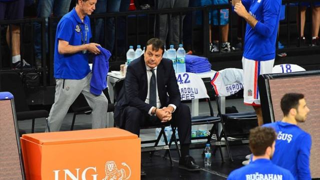 A man, very alone, in command. Because it is difficult to be Ergin Ataman even in victory