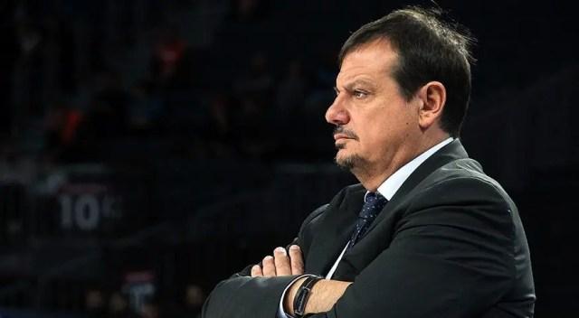 Un uomo, molto solo, al comando. Perché è difficile essere Ergin Ataman anche nella vittoria.