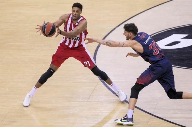 Olympiacos, Augustine Rubit saluta i greci