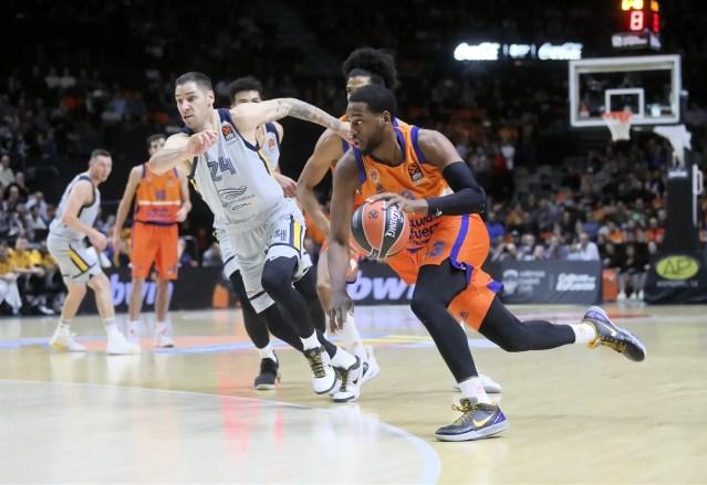 Valencia: Jordan Loyd fuori 5 settimane
