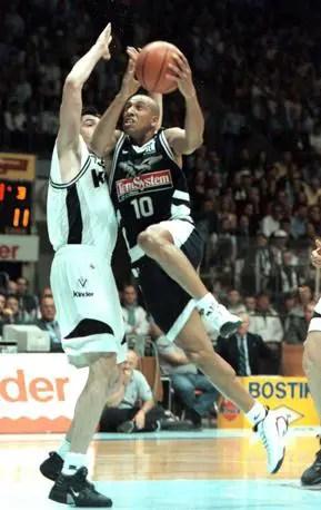 La notte storica di Basket City