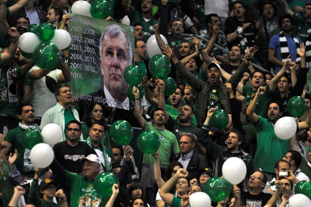 fans-panathinaikos-athens-final-four-barcelona-2011-eb10