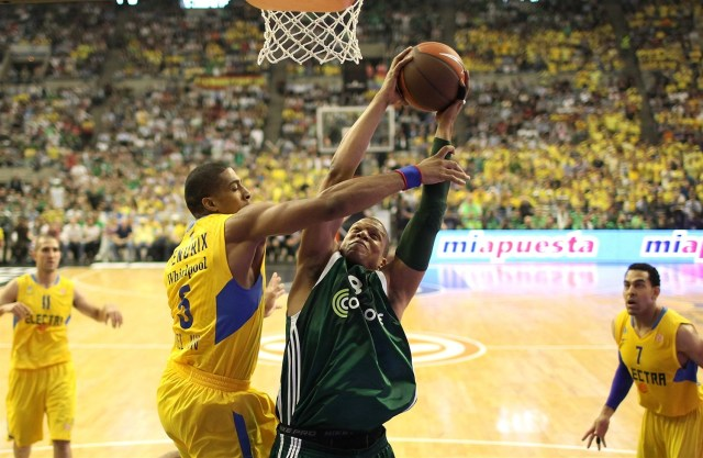 mike-batiste-panathinaikos-athens-final-four-barcelona-2011-eb10