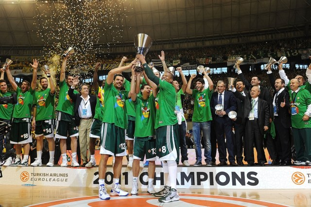 panathinaikos-champ-final-four-barcelona-2011-eb10
