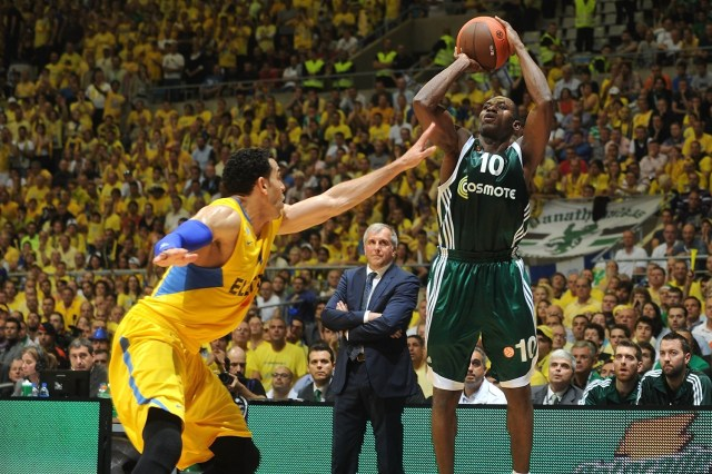 romain-sato-panathinaikos-athens-final-four-barcelona-2011-eb10