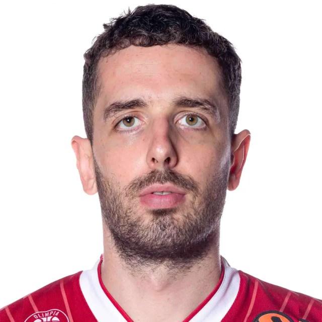 L'Armani Exchange Milano esce dal contratto con Amedeo Della Valle