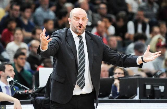 Clamoroso Mitrovic! Licenziato in tronco dall'Asvel.  Gravi inadempienze?