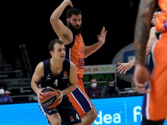 Lo Zenit sfrutta le difficoltà del Valencia e porta a casa i due punti
