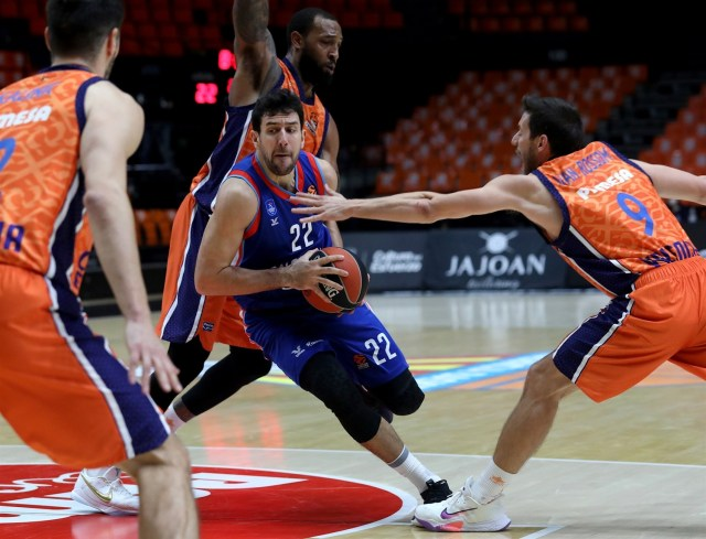 Valencia-Efes: Klemen Prepelic regala una meritata vittoria ai Taronja