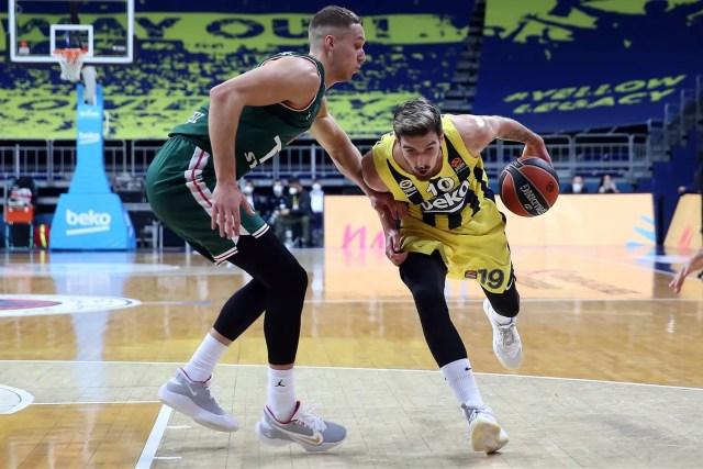 Fenerbahce-Baskonia: De Colo è super, il Round 19 sorride ai turchi