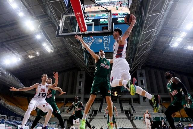 Baskonia gioca un basket meraviglioso e si beve anche il Pana nel Round 32