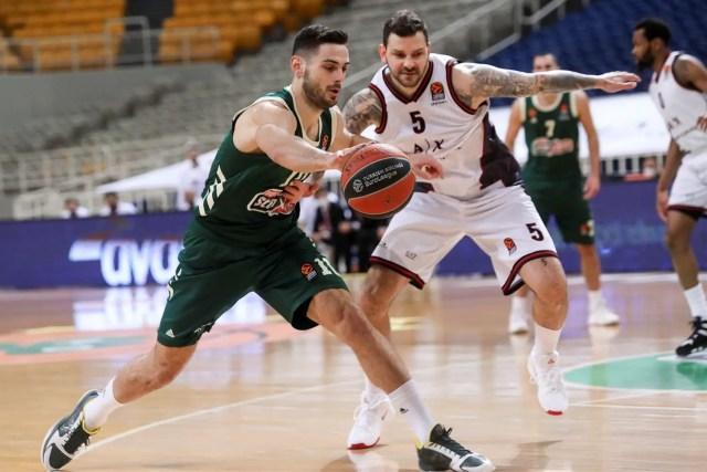 Panathinaikos, Papapetrou rinnova per altri due anni