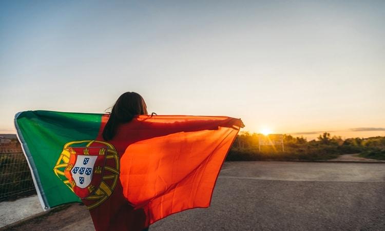 Cidadania portuguesa por tempo de residência bandeira