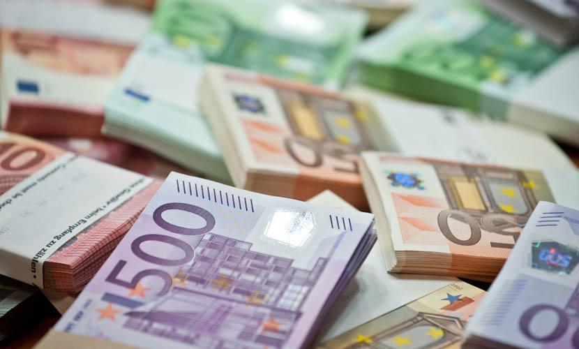 como levar dinheiro para o exterior euros
