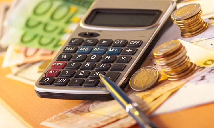 Comprar euro no Brasil ou na Europa calculadora
