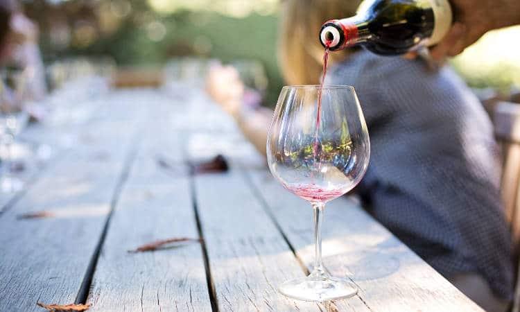 Degustar vinhos italianos