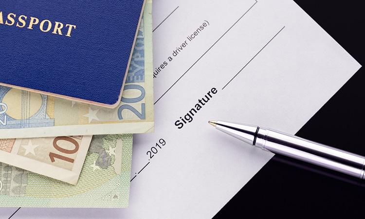 Documentos e apólice de seguro viagem