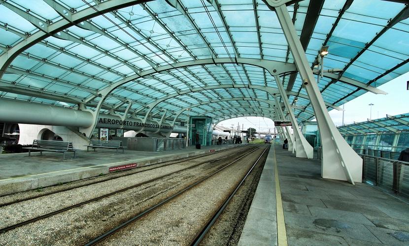 estação de metrô aeroporto do Porto