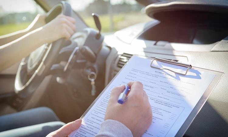 exame para carteira de motorista na Espanha